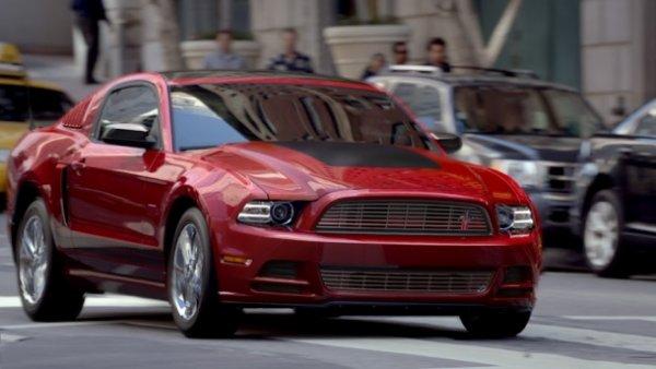 Ford показал миру новый Mustang 2013