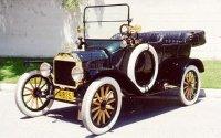 Знаменитая модель T от компании Ford с рулем слева