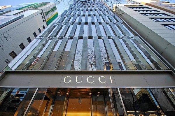 Топ-10 самых дорогих брендов одежды в мире 2011 года