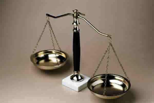 Как правильно выбрать адвоката
