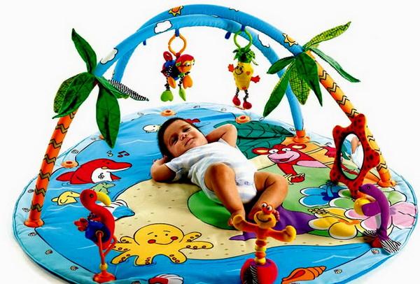 Мобили и коврики для самых маленьких