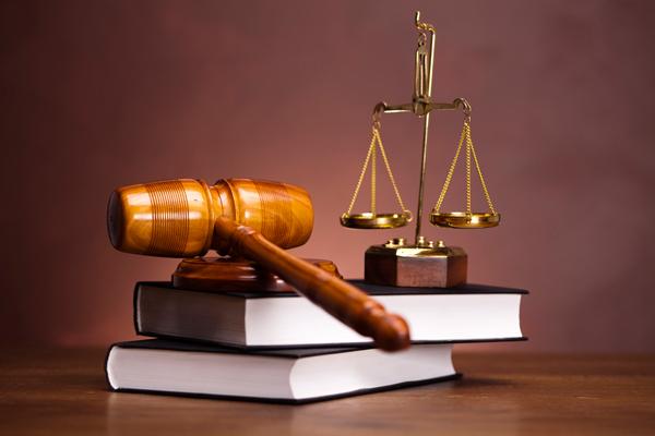 Выбираем адвоката