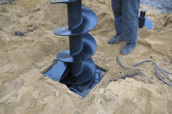 Особенности бурения скважин на воду