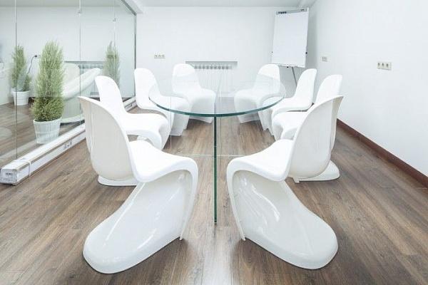 Как выбирать мебель для переговорных?