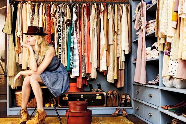 Создайте стильный гардероб, не покидая киберпространства!