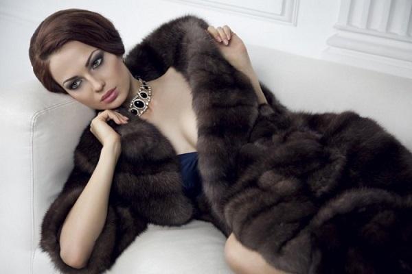 Норковая шуба: роскошь или необходимый элемент женского гардероба?