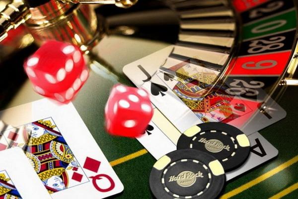 Почему всем так нравится играть в казино Фараон?